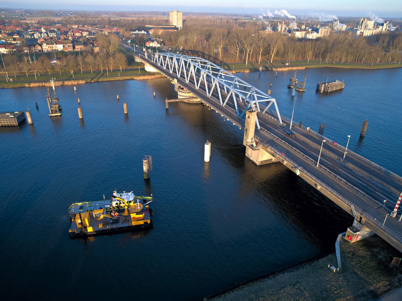 Kanaal Gent Terneuzen Walhout Civil geotechnisch en duik onderzoek